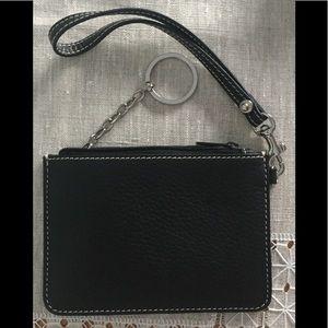 NWOT Dooney and Bourke Pebble Leather Wristlet
